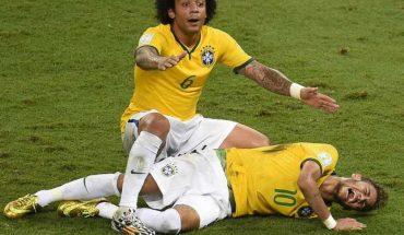 Chan thuong Neymar World Cup 2014