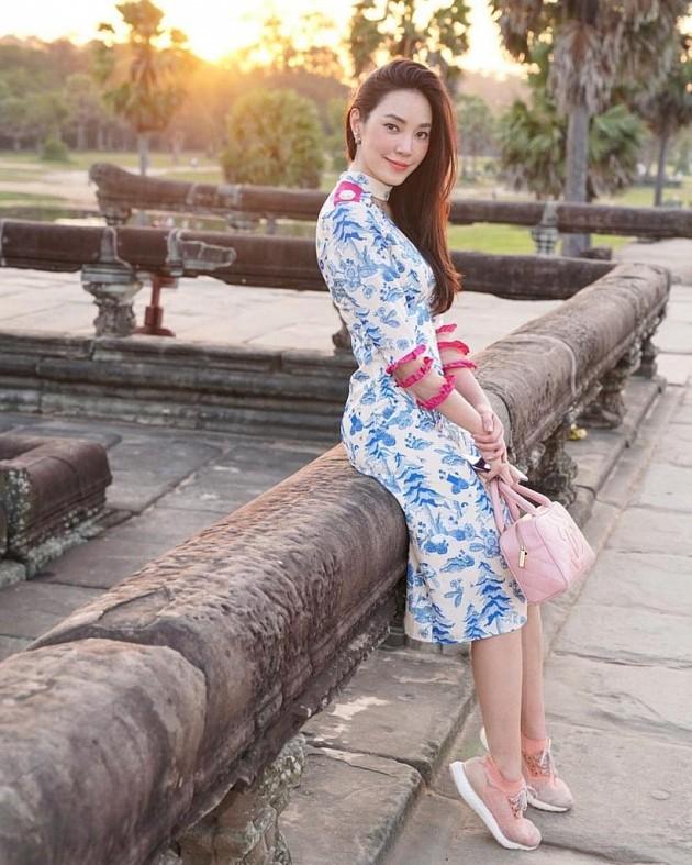 """Bạn gái Chanathip Songkrasin: Tuổi tác chẳng phải vấn đề với """"Messi Thái"""" 9"""