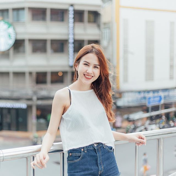 Butsakorn Eakkaphan: Cô bạn gái xinh đẹp của Supachai Jaided 8